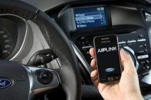 Как подключить телефон к магнитоле в машине через USB и AUX (Bluetooth)