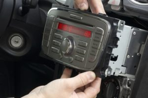 Как снять магнитолу 6000 cd на Ford Focus 2