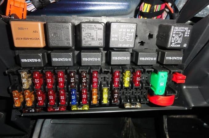 Блок предохранителей на ВАЗ-2114