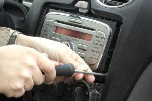 Инструкция как снять магнитолу на Форд Фокус 3
