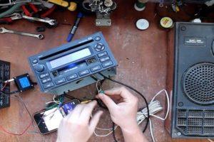 Как сделать и подключить усилитель звука из старой магнитолы своими руками