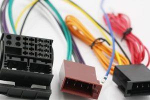 Переходник ISO для подключения штатной магнитолы в машину