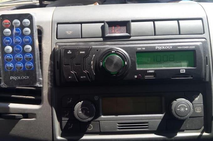 Автомагнитола Prology CMX-100 в авто