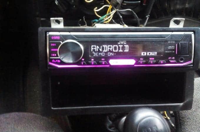Магнитола JVC KD-X155 в авто