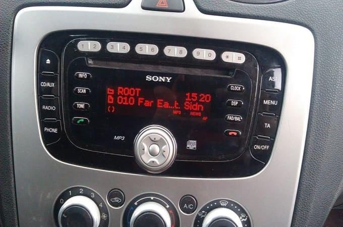 Переходная рамка на автомобилях Форд Фокус