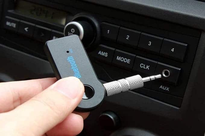 Подсоединить блютуз адаптер к магнитоле в автомобиле