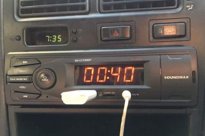 Soundmax SM-CCR3064F в автомобиле