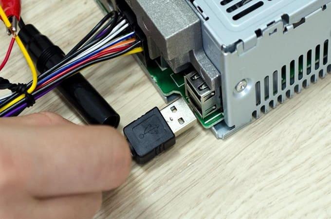 Зачем подключать USB в авто к магнитоле