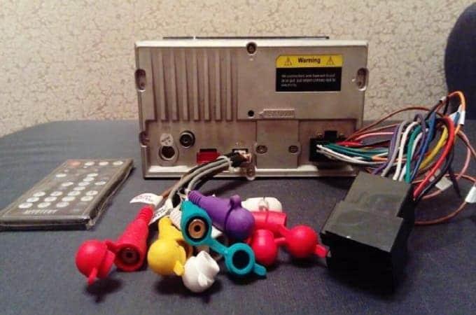 Комплектация магнитолы Mystery MDD-7120S