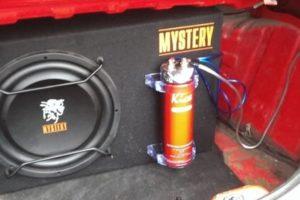 Как подключить конденсатор для сабвуфера к усилителю