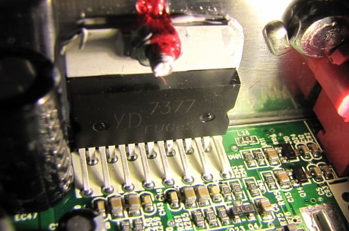 Перегрев транзисторов усилителя в магнитоле