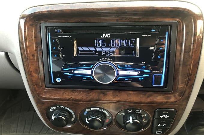 Магнитола JVC KW-R520 в авто